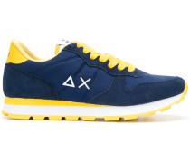 Sneakers in Kontrastoptik