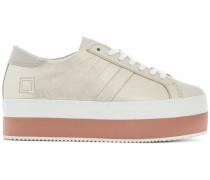 Flatform-Sneakers mit Kontrastsohle