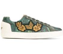 Verzierte Sneakers mit Schnürung