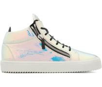 Sneakers mit holografischem Effekt