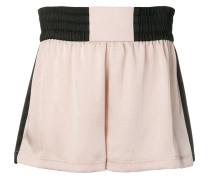 Shorts mit Kontrastdetails