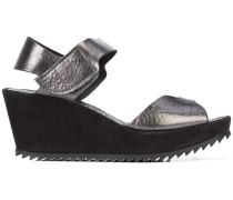 Sandalen mit geriffeltem Keilabsatz