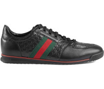 Sneakers mit Web