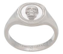 'Atticus' Ring mit Totenkopf
