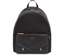 Rucksack mit aufgesetzter Tasche