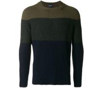 Pullover mit kontrastierendem Einsatz