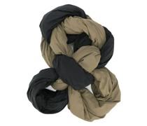 Schal mit Knoten