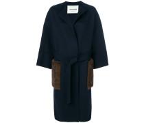 Einreihiger Mantel mit Taschendetail