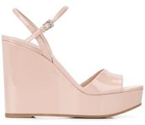 Wedge-Sandalen aus Lackleder