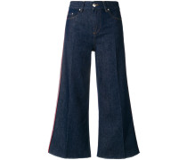 Taillenhohe Cropped-Schlagjeans