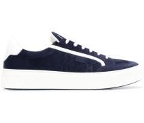 "Sneakers mit ""Gancio""-Motiv"