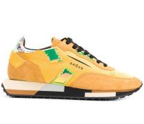 Schimmernde Sneakers