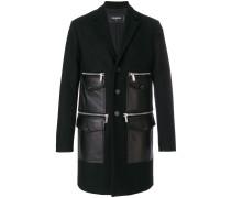 Mantel mit Ledertaschen