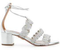 Sandalen mit gewellten Riemen