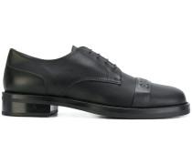 Schuhe mit Prägung