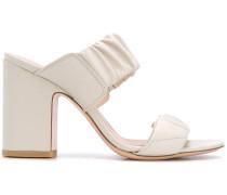 Sandalen mit elastischen Riemchen