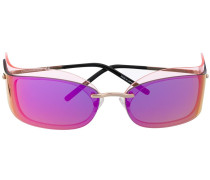 Sonnenbrille im Layering-Look