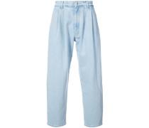 Weite Jeans mit Bundfalten