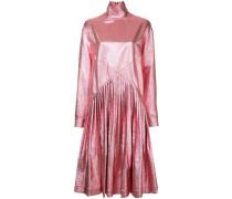 Ausgestelltes Metallic-Kleid