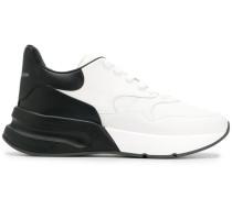 Sneakers im Oversized-Design