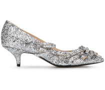 Pumps mit Glitzerapplikationen