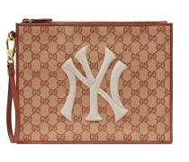 Clutch mit NY-Yankees-Patch