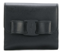 clasp detail wallet