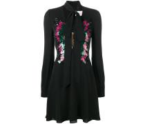 Kleid mit Pailletten-Schmetterling