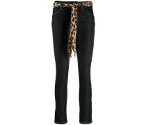 Schmale Jeans mit Gürtel