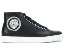High-Top-Sneakers mit Löwe-Schild