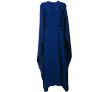 Langes Cape-Kleid