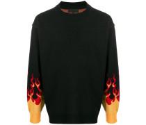 Pullover mit Flammen
