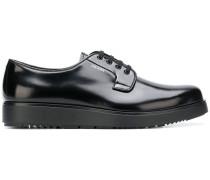 Derby-Schuhe mit breiter Sohle