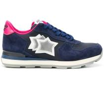 Sneakers mit Stern-Stickerei