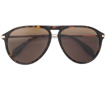 aviator shaped sunglasses