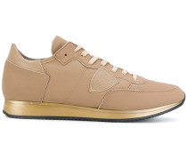 Sneakers mit Metallic-Sohle