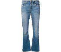 Ausgestellte Jeans