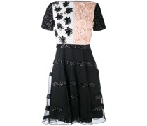 Kleid mit floralen Applikationen