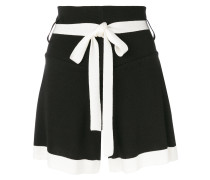 contrast fitted shorts