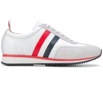Sneakers mit dreifarbigem Streifen