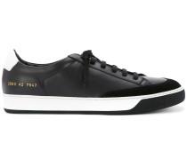 Sneakers mit Kontrastsohle