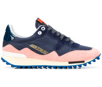 'Starland' Sneakers