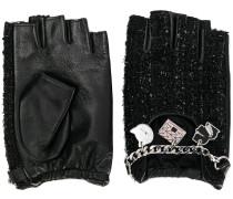 Fingerlose Handschuhe mit Kette