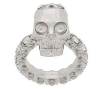 Ring mit Totenkopf