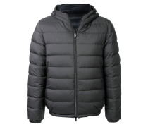 Gefütterter Mantel mit Kapuze