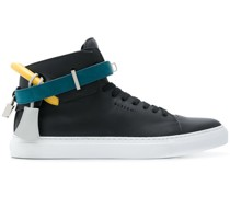 High-Top-Sneakers mit Knöchelriemen