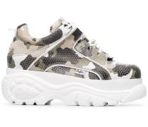 Flatform-Sneakers mit Camouflage-Print