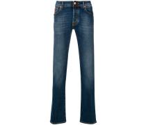 Gerade Jeans mit Tragefalten