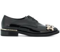 Schuhe mit Applikation