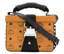 Kastige Handtasche mit Nieten